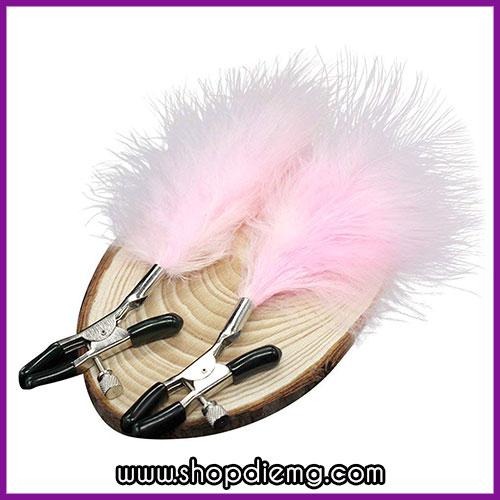 Bộ kìm kẹp vú và chổi lông vũ