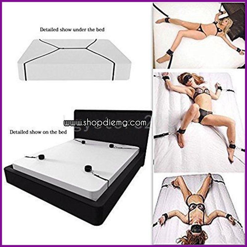 Bộ dây trói khóa chân tay giả hiếp dâm trên giường 2