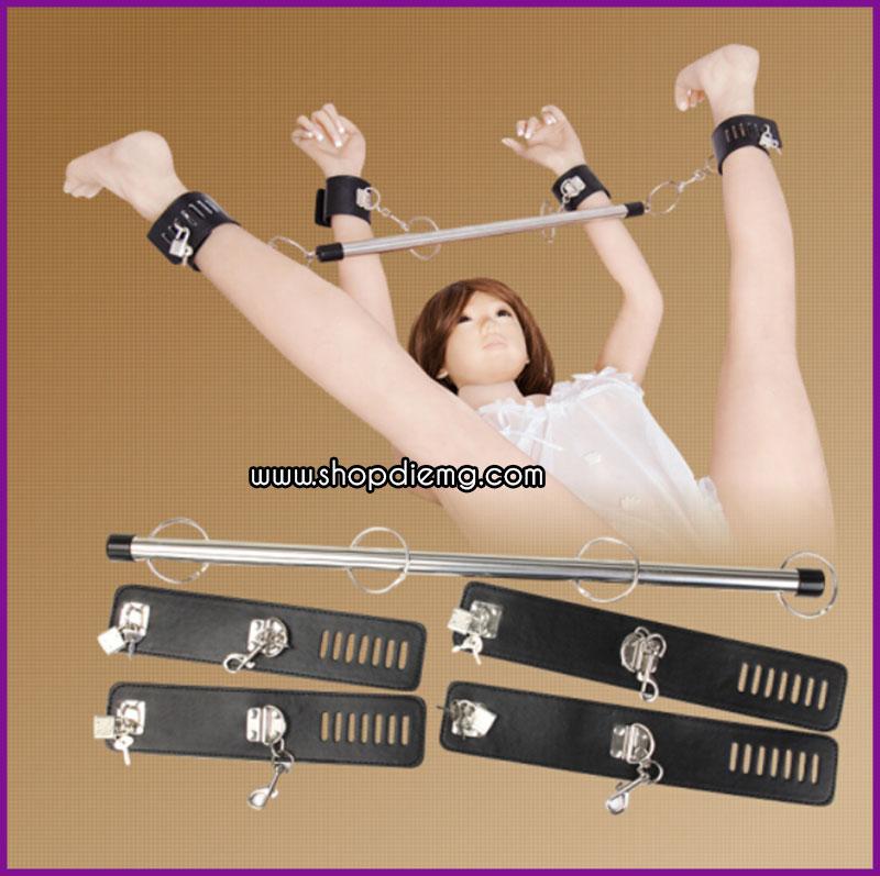 Còng khóa tay chân cố định bằng đòn sắt 2