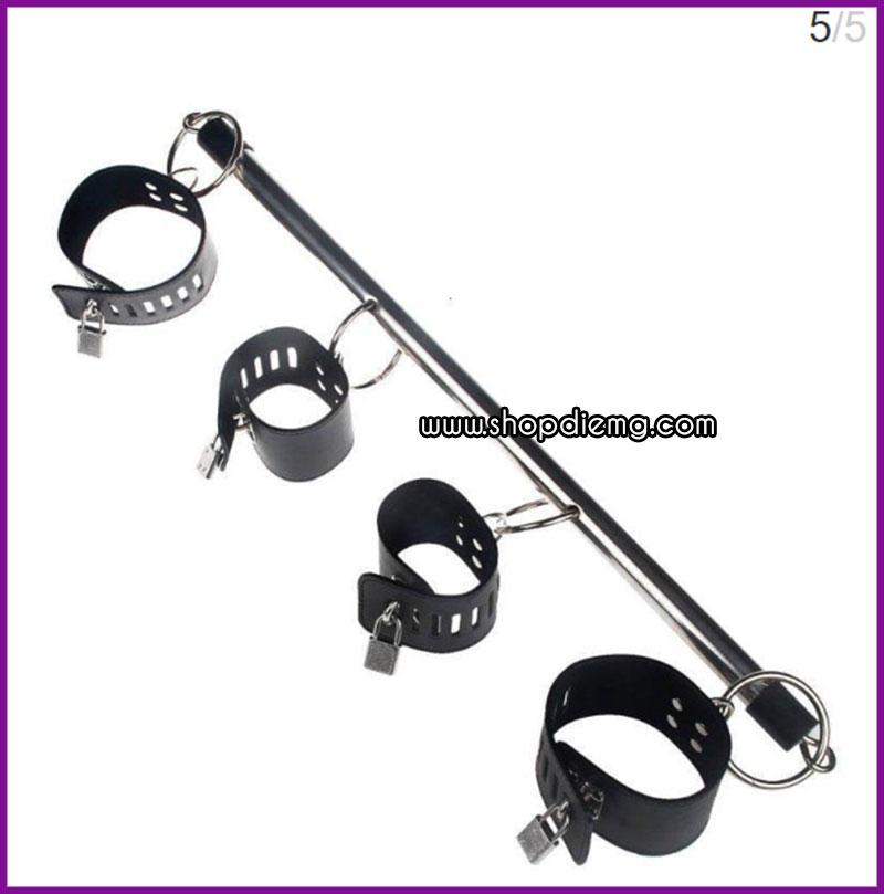 Còng khóa tay chân cố định bằng đòn sắt 4